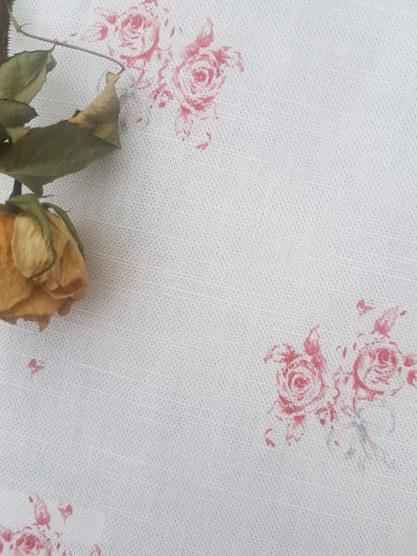Pretty French Posies with Bow Linen Fabric