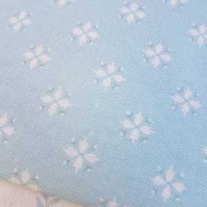 Cottage daisy Light Teal.