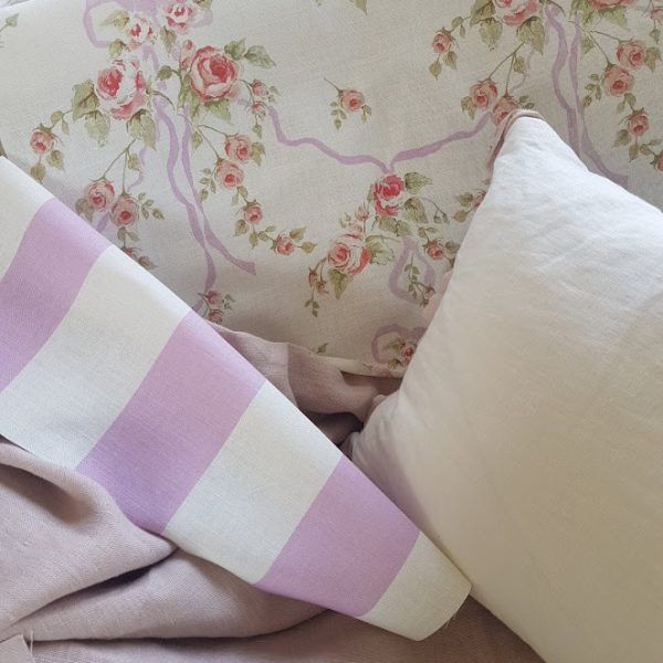 Ribbon and Roses Floral Linen Fabric in Old Lilac Ribbons