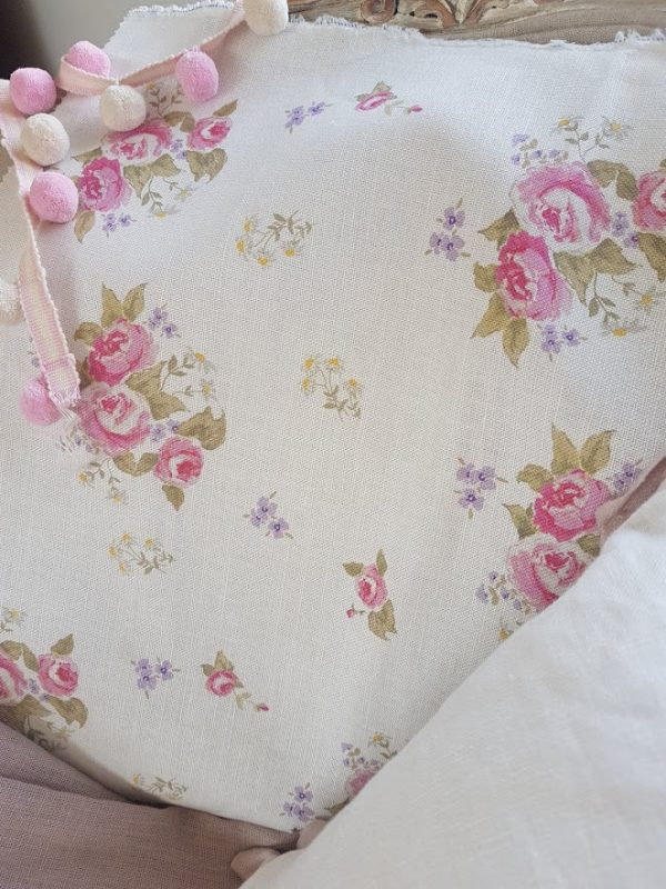 Rosabella Rose and Daisies Floral Linen Fabric.