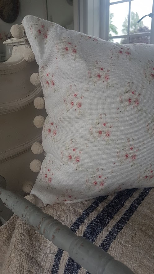 Cicely Trellis Roses Cushion with Cotton PomPom
