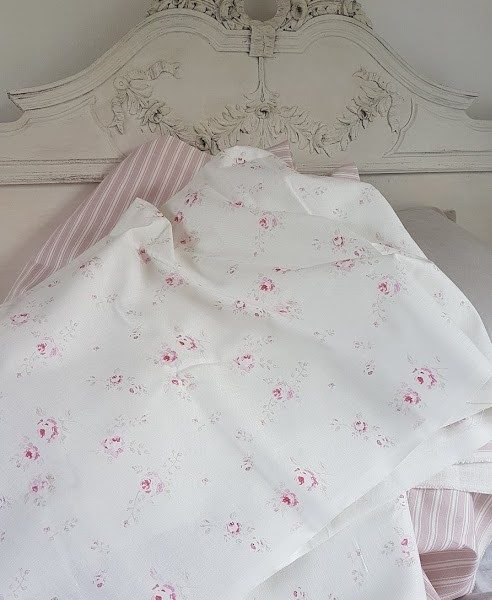 French Faded Roses Linen