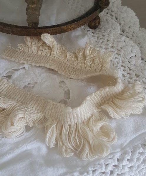 Pretty Cotton Fan Edge Trimming in Beige