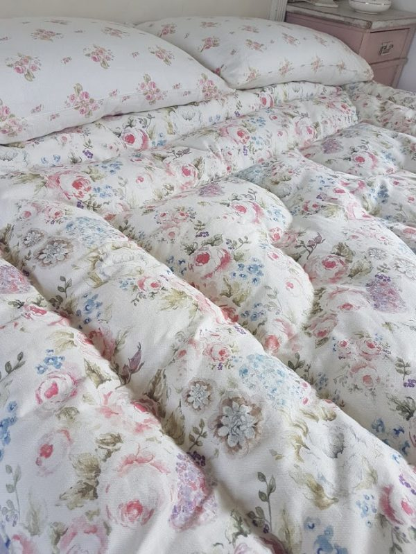 Cabbage Roses Vintage Inspired Feather Eiderdown by Rose & Foxgloves
