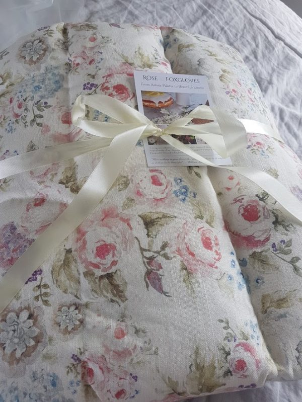 Feather Eiderdown Rose and Foxgloves Caggabe Roses Design