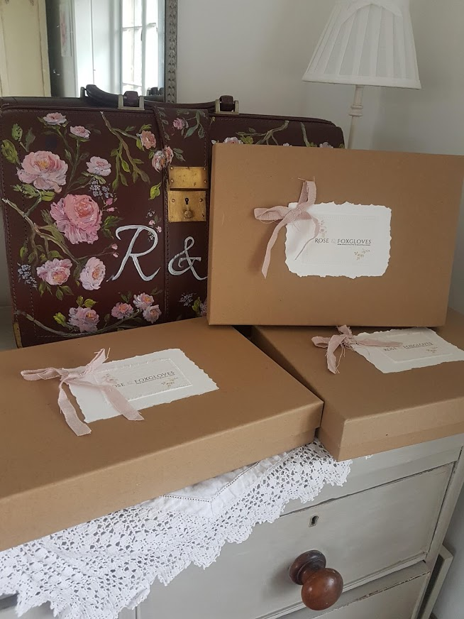 Trade box Faded Floral Linens by Rose and Foxgloves