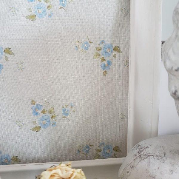 Petite Fleurs On Faded Green Linen Fabric